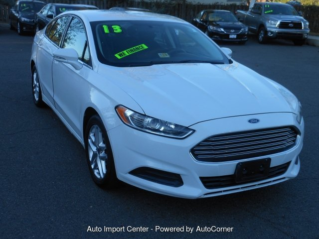 2013 Ford Fusion SE 5-Speed Automatic