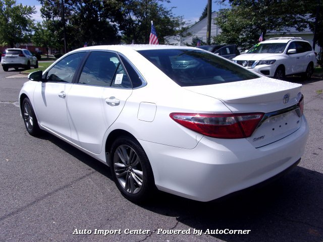 2015 Toyota Camry SE 6-Speed Automatic